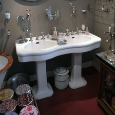 Wow love this original art deco bathroom from a 1930s for Jack and jill bathroom with hall access