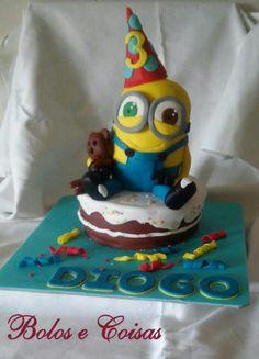 Bolos e coisas - Bolos decorados (Cake Design): Minion em festa * Diogo