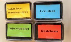 """Spel zinnen: """"Wie doet wat wanneer?"""" (In de bakjes zitten de gekleurde zinsdeelkaartjes.)"""