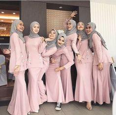 New Dress Brokat Bridesmaid Hijab Ideas Hijab Gown, Kebaya Hijab, Hijab Dress Party, Hijab Style Dress, Kebaya Dress, Dress Pesta, Kebaya Muslim, Muslim Dress, Kebaya Modern Hijab