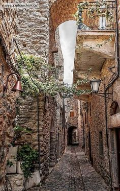 GREECE CHANNEL | #Medieval village of Mesta on #Chios island http://www.greece-channel.com/