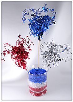Diy july crafts: fireworks centerpiece from gift decorating 4th Of July Cake, Fourth Of July Food, July 4th, 4th Of July Decorations, Military Decorations, Reception Decorations, July Crafts, Crafts For Kids, Summer Crafts