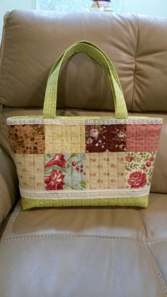 Patchwork zippered tote bag