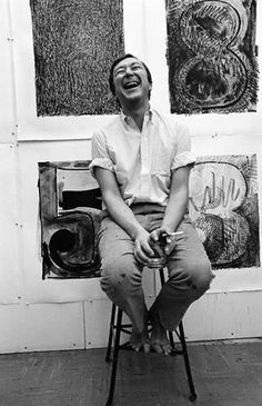 What a captivating image! American artist Jasper Johns (b 1930) in his studio. Photographer unknown. via Artist & Studio