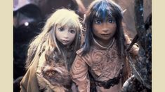 Lovely photos from Henson's original The Dark Crystal, including some behind-the-scenes pictures of urRu, Skeksis, and Pod People artifacts that show just how much loving creativity went into this production. Dark Crystal Movie, The Dark Crystal, Fantasy Movies, Fantasy Art, Fantasy Fiction, Brian Froud, Alien Worlds, Old Movies, Faeries