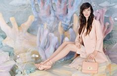 My favourite combination - Tim Walker & Mulberry! Meghan Collison is a Pastel Dream in Mulberrys Spring 2013 Campaign by Tim Walker Tim Walker, Walker Art, Dress Chanel, Burberry, Vogue Mexico, Online Shops, Louis Vuitton, Fashion Articles, Editorial Fashion