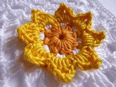 Häkeln im Quadrat: Neue Granny-Muster Granny Pattern, African Flowers, Flower Power, Simple, Crafts, Jewelry, Granny Squares, Shawl, Craft Ideas