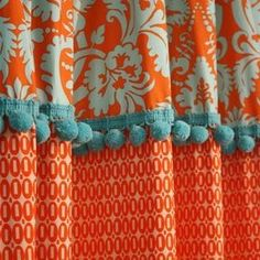 Curtains made of different fabrics connected by pom pom trim. Cute Shower Curtains, Bathroom Curtains, Window Coverings, Window Treatments, Cortina Boho, Orange And Turquoise, Coral Aqua, Curtains With Blinds, Diy Curtains
