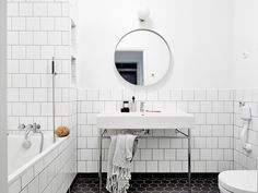 Oracle-Fox-White-Scandinavian-Interior-Bright-Apartment-20