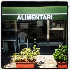 """How do you say 'food' in Italian? Alimentari, my dear Watson!"" by @michaelturtle"