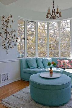 wounded bay window sofa in blue