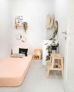 Tiny Bedroom Design, Small Room Design, Home Room Design, Room Ideas Bedroom, Small Room Bedroom, Home Decor Bedroom, Tiny Bedrooms, Teenage Bedrooms, Guest Bedrooms