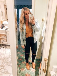 Black Wash Ripped Jamie Skinny Jeans # black # skinny jeans Source by outfits spring Outfit Jeans, Black Jeans Outfit Winter, Black Ripped Jeans Outfit, Jean Jacket Outfits, Cute Outfits With Jeans, Casual Outfits, Fashion Outfits, Skinny Jean Outfits, First Date Outfit Casual