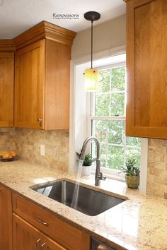 This amazing photo is certainly a striking design theme. Light Oak Cabinets, Hickory Kitchen Cabinets, Honey Oak Cabinets, Alder Cabinets, Kitchen Cabinets And Countertops, Dark Countertops, Kitchen Tile Backsplash With Oak, Island Kitchen, Kitchen Decor