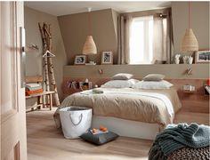 decoration-interieure-peinture-murale-couleur-sable-coussins et-rideaux-en-lin