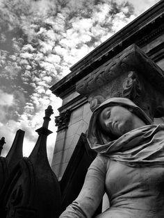 Statue . Sculpture . Cemetery (La Dame des Mystères) by Tiquetonne2067, via Flickr