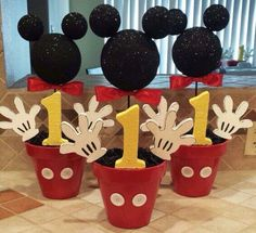 Mickey Mouse Party Ideas – Mickey's Clubhouse – Pretty My Party DIY Mickey Mouse Party Centerpieces Theme Mickey, Fiesta Mickey Mouse, Mickey Mouse 1st Birthday, Mickey Mouse Parties, Elmo Birthday, Birthday Ideas, Dinosaur Birthday, Birthday Table, Mickey Mouse Pinata