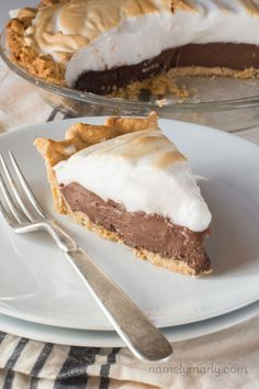 Vegan Chocolate Meringue Pie - a dreamy, delicious addition to your holiday dessert table sure to please both vegans and non-vegans. I mean, look at that gorgeous vegan meringue on top!