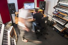 We caught up with Echoic Audio's founding members David Johnston and Tom Gilbert for an insight into the world of sound for picture. David Johnston, Music Studios, Find Work, Sound Design, Electronic Music, Video Editing, Problem Solving, Night Club, Over The Years