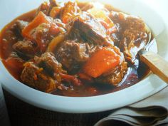 un mondo di ricette: la cucina ungherese - gulasch di manzo