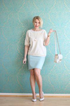 A fashion blog for women over 40 and mature women Sweater: Zara Skirt: René Lezard Bag: H+M Shoes: Pura Lopez http://glamupyourlifestyle.blogspot.de/