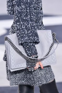 Chanel Fall 2013 - Tweed, chunky jewels and oversized bag-yes please