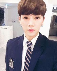 #해요TV ✨ Produce 101 Season 2, Nu Est, Pledis Entertainment, Asian Boys, Jonghyun, Handsome Boys, Boy Groups, Girl Group, Cute Girls