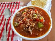 Stuffed Pepper Soup 1 lb. ground beef 1 small onion, diced 1 large bell pepper, diced 1 can (29 oz.) diced tomatoes 1 (10 oz) can tomato soup (or tomato sauce) 1 (14 0z) can chicken broth (or beef broth) 2 cups cooked rice 1 tbsp. sugar 1 t tsp. garlic powder salt & pepper, to taste