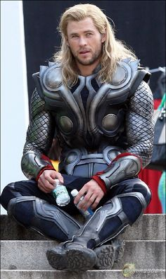 The Avengers' NYC Central Park Shoot - Chris Hemsworth as Thor