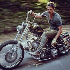 OLD SCHOOL CHOPPERS : Photo                                                                                                                                                      More