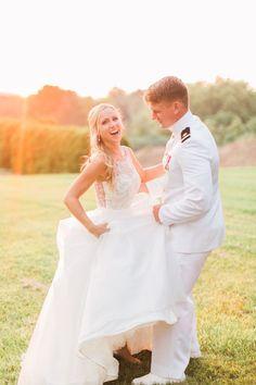 Wedding Photography Inspiration : golden light wedding portraits at sunset