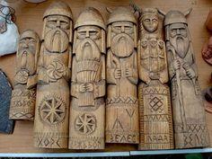 Carved Norse chess pieces.....(Noggin the Nog & Co.)