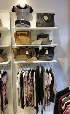 "Boutique ""Bruxelles""  Rue des Teinturiers 15, 1000 Regione di Bruxelles-Capitale https://franchisagekikiamobelgique.wordpress.com/"