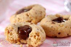 Receita de Biscoito de amêndoas com chocolate em receitas de biscoitos e bolachas, veja essa e outras receitas aqui!