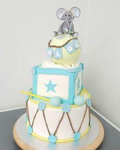 Purppurahelmi: Norsukakku 1-v juhliin Birthday Cake, Desserts, Food, Tailgate Desserts, Deserts, Birthday Cakes, Essen, Postres, Meals