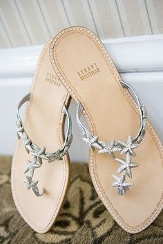 Cute wedding shoes for a beach wedding
