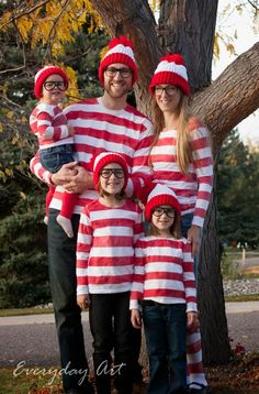 Fun Family Halloween Costume: Where's Waldo by Everyday Art #family #costume #hallween #waldo