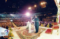 14 de Mayo, 1995 - Predica el apóstol de Jesucristo Samuel Joaquín Flores en el Palacio de los Deportes de la ciudad de México, D. F., a las multitudes de creyentes, oyentes y simpatizantes que se dieron cita en ese emblemático coloso para escuchar la doctrina genuina de Jesucristo.  #IglesiaLaLuzdelmundo #Jubileo2014SJF #JubileeYear2014SJF #CCBUSA #LLDMUSA