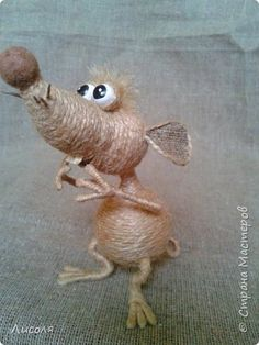 mascot of jute Needle Felted Animals, Felt Animals, Old Cd Crafts, Clown Paintings, Mouse Crafts, Crochet Mouse, Quilling Craft, Free To Use Images, Burlap Crafts