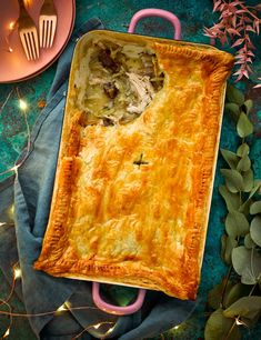 Left-over roast chicken pie - Pies, lovely pies - Pie Recipes Savoury Pastry Recipe, Best Pastry Recipe, Pastry Recipes, Easy Pie Recipes, Easy Chicken Recipes, Meat Recipes, Savoury Recipes, Dinner Recipes, Rabbits