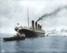 Il Titanic lascia Belfast, accompagnato da due rimorchiatori