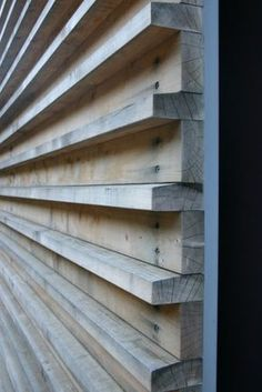 For the home: Unique wall treatments and textured walls BELLE VIVIR -Decorating Ideas, Interior Design Inspirations and Fashion Latest. : For the home: Unique wall treatments and textured walls Exterior Wall Cladding, Wood Facade, Timber Cladding, Wood Siding, Cladding Ideas, Diy Exterior Wall, Exterior Remodel, Shiplap Cladding, Wood Slat Wall