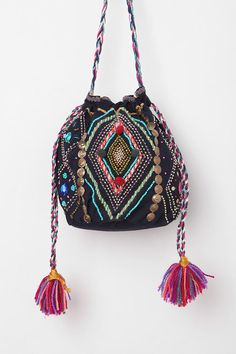 Moroccan Desert Bucket Bag – Purses And Handbags Boho Beautiful Handbags, Beautiful Bags, Boho Gypsy, Hippie Boho, Bohemian, Fashion Bags, Boho Fashion, Bucket Bag, Ethno Style