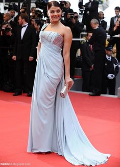 Aishwarya Rai attends the 'Spring Fever' Premiere at the International Film Festival in Cannes on May She wore Elie Saab dress from the designer's spring 2009 couture collection Aishwarya Rai Images, Actress Aishwarya Rai, Aishwarya Rai Bachchan, Bollywood Actress, Indian Bollywood, Royal Ascot Races, Next Clothes, Cannes Film Festival, Couture Collection
