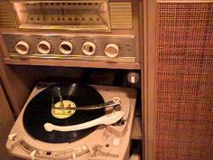 """An old record plays """"That Good Old Baylor Line"""" #SicEm"""
