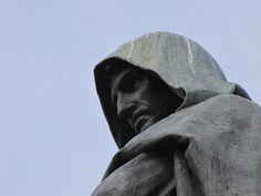 Campo de' Fiori - Roma, Lazio Monumento a Giordano Bruno, particolare.