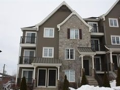 Condo for sale in Otterburn Park - $254,900 Condos For Sale, Cabin, Park, House Styles, Home Decor, Homemade Home Decor, Parks, Interior Design, Cottage