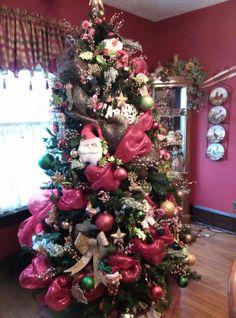 Deco mesh Christmas tree.