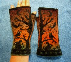 Ravelry: Waldzwerg's Night Creatures fingerless Mittens