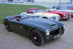 http://upload.wikimedia.org/wikipedia/commons/d/dc/Austin_Healey_3000s_-_Flickr_-_exfordy.jpg